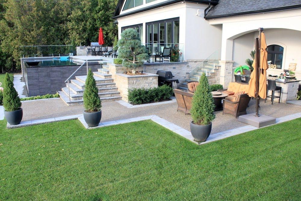Aggregate patio border